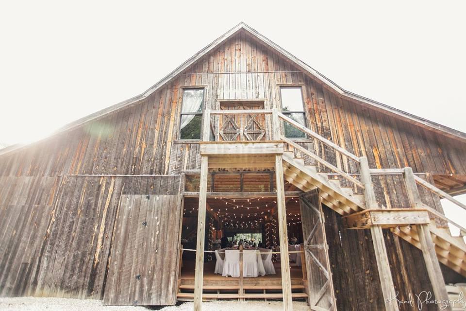 Rustic Themed Wedding Must Haves Missouri Rustic Weddings