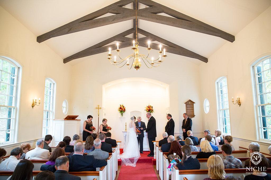Advantages of Intimate Wedding Venues   Missouri Rustic ...